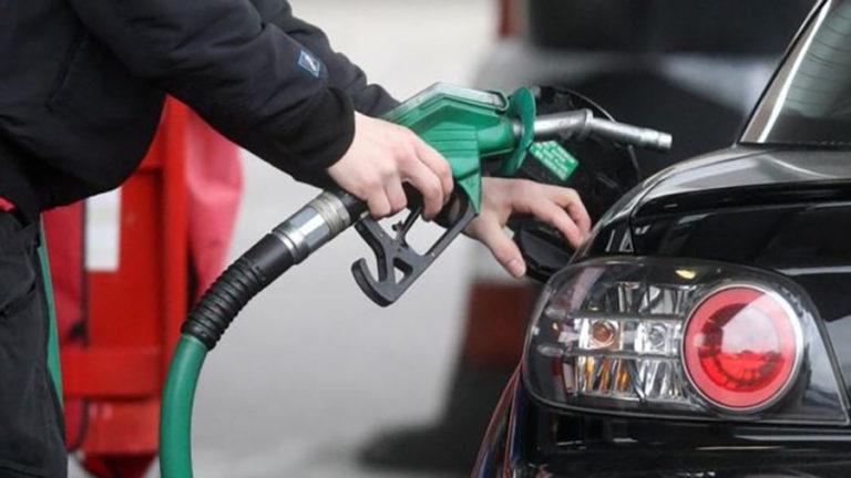 घट्यो पेट्रोल र डिजेलको मुल्य